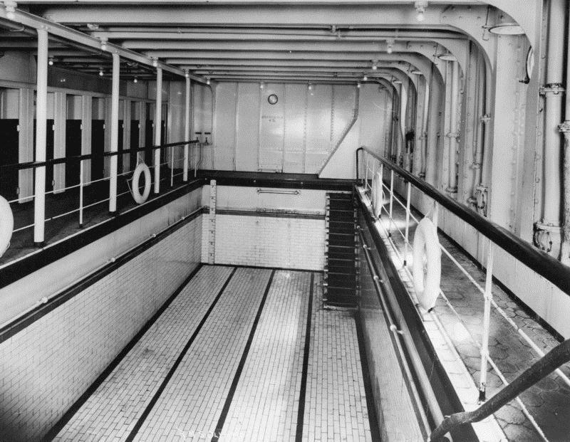 бассейн «Титаника» казался