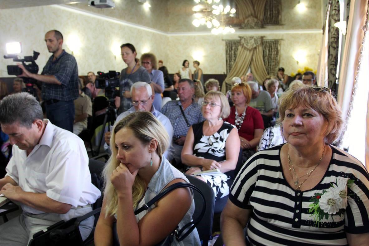 Пресс-конференция в клубе Гостевого дома Ле-Ди